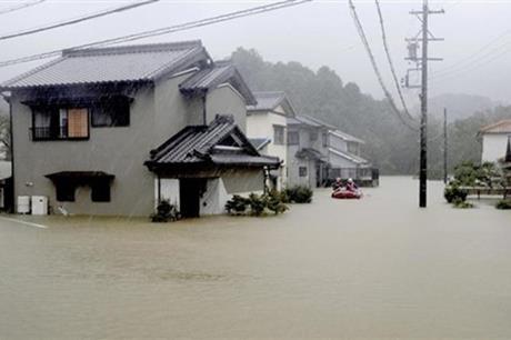 """الانهيارات تعرقل إغاثة المتضررين من إعصار""""هاجيبيس"""""""
