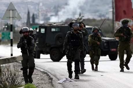 الاحتلال يعتقل أسيرين محررين من رام الله
