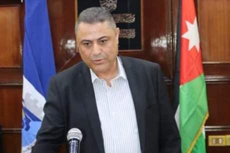 رئييس بلدية الزرقاء يقرر حسم مبلغ (200) دينار شهرياً من مكافأته لصالح صندوق البلدية