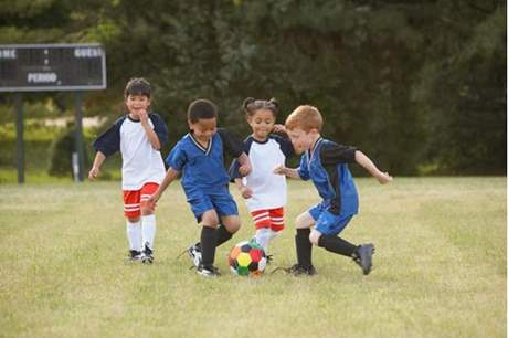 فوائد عديدة لتعليم الطفل على ألعاب الركل !